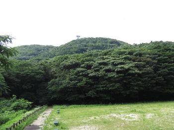 IMG_1108ピクニック広場から△上ノ山.JPG