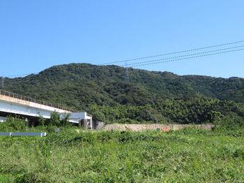 IMG_1990雁ヶ峰・高速道高架橋.JPG