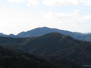 IMG_2605伐採尾根から古烏帽子山(奥).JPG