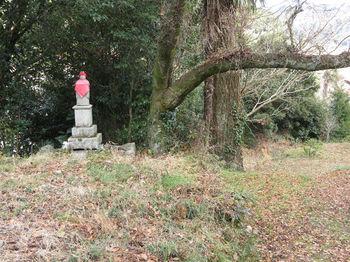 IMG_3755石仏(右へ).JPG
