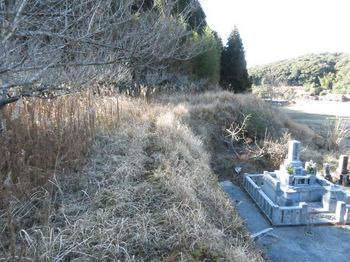 IMG_4786山道・墓.JPG