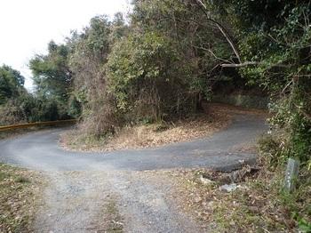 P1010275車道へピンカーブ地点.JPG