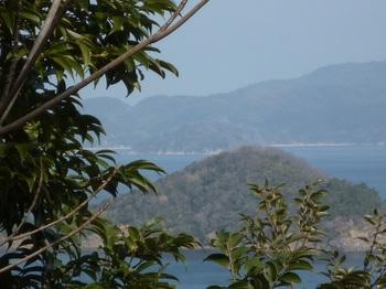 P1010357最高部付近から牛ヶ首、笹島.JPG