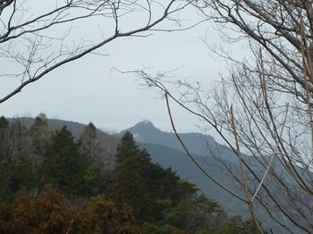 P1010526氷室岳を望む.JPG