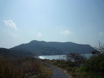 P1010660小島側から大島を望む.JPG