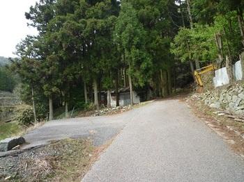 P1020094作業小屋・舗装切れ(逆方向).JPG