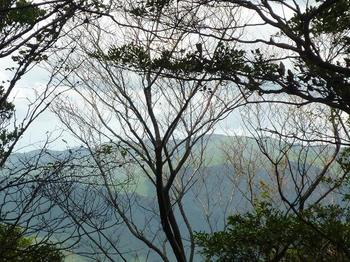 P1020863山頂から白滝山.JPG