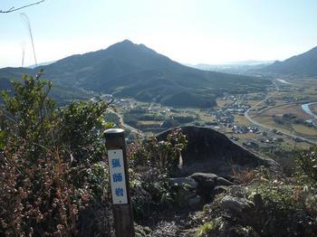 P1030751猟師岩・矢筈ヶ岳.JPG
