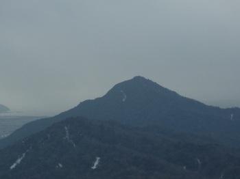 P1040034桃ヶ浴山展望地から楞厳寺山.JPG