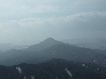 P1040043380m展望地より楞厳寺山.JPG