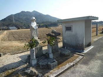 P1040162石仏・大師堂・楞厳寺山.JPG