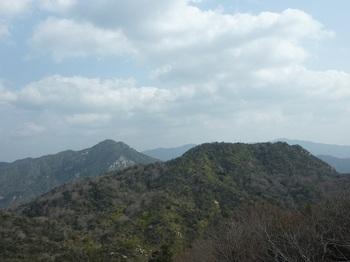 P1040206第三展望地から右田ヶ岳・西目山.JPG