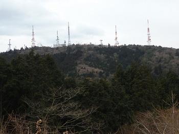 P1040411車道から大平山山頂.JPG