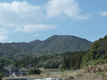 P1050067観音岳(原集落より).JPG