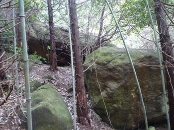 P1050728重ね岩?.JPG