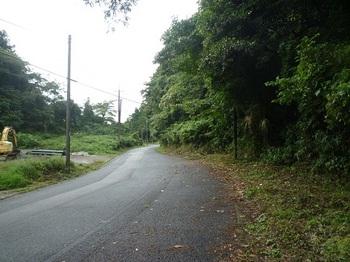 P1060440登山口(右).JPG