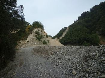 P1060972採石場近接部.JPG