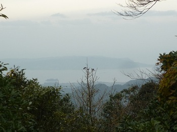 P1070044山頂から北北西の展望(向津具半島・油谷湾).JPG