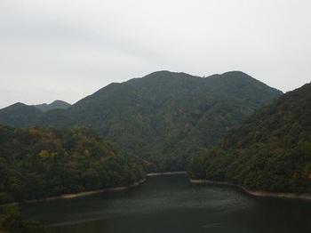 P1070073展望台から丸卒塔婆山.JPG