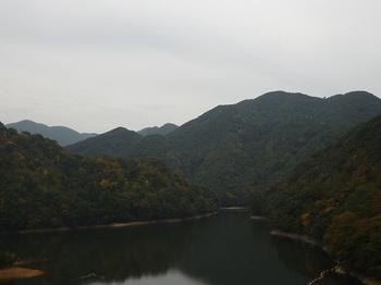 P1070074二本松橋から丸卒塔波山.JPG