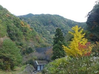P1070240ダム・大谷山.JPG