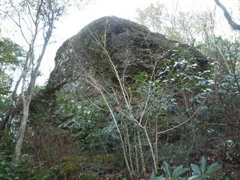 P1070775岩.JPG