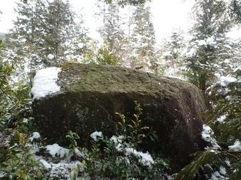 P1080163 M-1岩.JPG