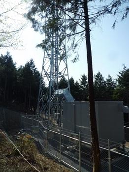 P1090204通信施設.JPG