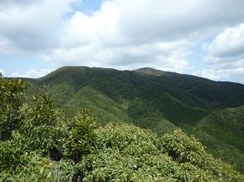 P1090397展望岩から天井ヶ岳.JPG
