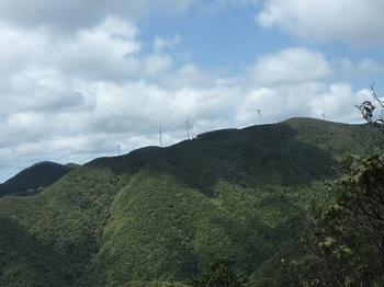 P1090404西側展望岩から白滝山.JPG