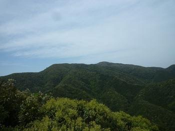 P1090976展望岩no.1より天井が岳.JPG