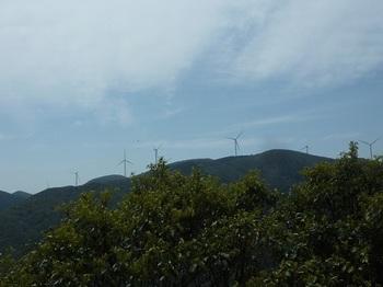 P1090981展望岩No.2より白滝山.JPG