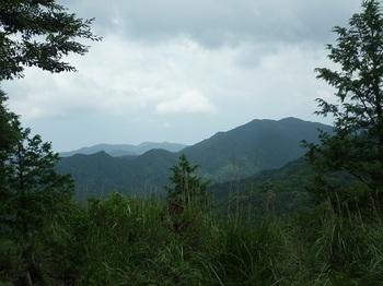 P1100529小伐採地からの展望(捻松山).JPG