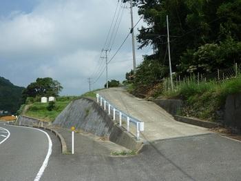 P1100918舗装道取り付き.JPG