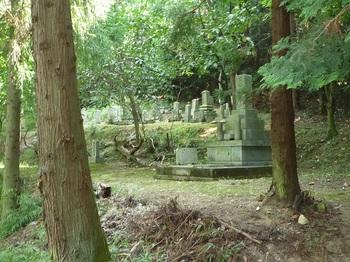 P1100921墓地.JPG