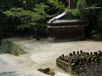 P1110066墓地.JPG