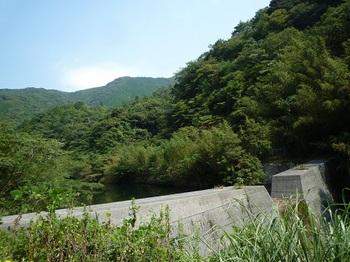 P1110364堰堤.JPG