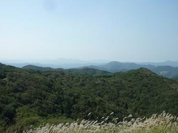 P1110724ルートの稜線・堂ヶ岳.JPG