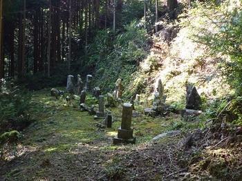 P1110765墓地.JPG