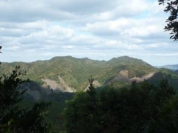 P1120768 346mピーク~熊野岳.JPG