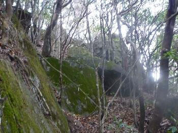 P1130016岩尾根上へ出る.JPG