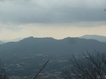 P1130205琴石山・三ツヶ岳.JPG