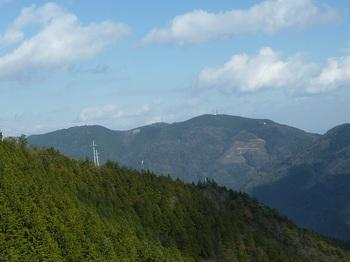 P1130310ランチャー場から望む高照寺山.JPG