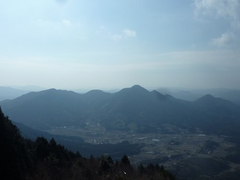 P1130558氷室岳・矢櫃山.JPG