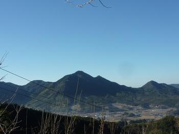 P1130746氷室岳・矢櫃山.JPG
