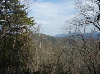 P1140596尾根から八久保山方面の展望.JPG