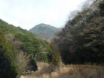 P1140675駐車地付近から山頂方面.JPG