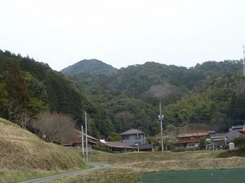 P1140907下田代集落から山頂方向.JPG