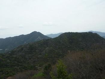 P1150315西目山(左奥は右田ヶ岳).JPG