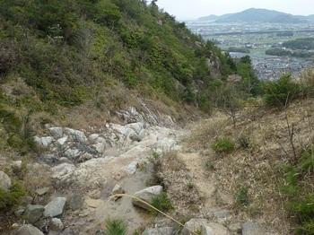 P1150337ナメ沢沿いを下る(右岸).JPG